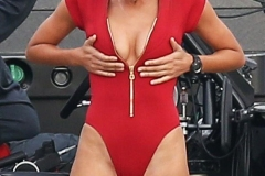kelly-rohrbach-on-the-set-of-baywatch-in-savannah-03-29-2016_1